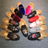 ingrosso vendita di scarpe di cuoio genuino delle donne-Nuove donne di marca Pantofole di pelliccia Mules Flats Scarpe di mulo in pelle scamosciata Scarpe di mocassini di cuoio genuini di modo del progettista di lusso con la catena del metallo