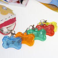 etiquetas de seguridad llevadas del collar de perro al por mayor-LED Flash Colgante de Seguridad Lindo Lumines Collar Circular de Hueso Perro Gato Mini Tarjeta de Identificación Adornos Mascotas Suministros Color Puro 1 9lq bb
