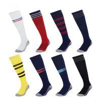 tay çorapları toptan satış-Erkekler Futbol Çorap 2018 2019 Gerçek Madrid Diz Yüksek Çorap Adam kalınlaştırmak Havlu Alt Uzun Hortumlar Paris Şehir Birleşik Spor Çorap Tay kalite