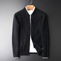 ingrosso cardigan invernali neri-Minglu Men Sweatercoat Hight Quality Fashion Stand colletto Zipper Cardigan uomo maglione autunno e inverno nero Mens maglione