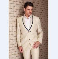 terno de homens de jaqueta bege venda por atacado-Populares Padrinhos Xaile Lapela Do Noivo Smoking Bege Ternos Dos Homens de Casamento / Prom Melhor Homem Blazer (Jacket + Pants + Tie) Z817