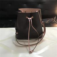 koşu poşetleri çantaları ücretsiz gönderim toptan satış-Ücretsiz kargo! Güzel Kova çanta Çanta Tasarımcısı yüksek kaliteli Çanta Moda Marka deri Omuz askısı İpli Çanta 44020