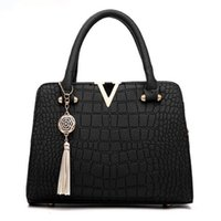 Wholesale messenger bags online - Crocodile leather Women Bag V letters Designer Handbags Luxury quality Lady Shoulder Crossbody Bags fringed women Messenger Bag