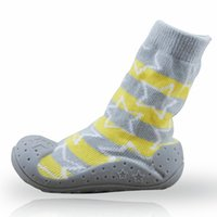 ingrosso i pattini di bambino calzano la gomma soled-Neonati calzini antiscivolo per bambini con suole in gomma per bambini Scarpe per bambini primi calze in cotone per bambini