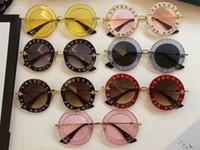 kadın s yuvarlak güneş gözlüğü toptan satış-Sıcak marka Kadınlar Yuvarlak 0113 S Lüks Moda Tasarımcısı Kedi Göz Güneş En kaliteli Çerçeve BEYAZ-ALTıN / GÜMÜŞ Ayna Güneş Gözlüğü G 0113