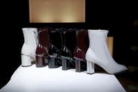 ingrosso stivali in pelle di vernice bordeaux-2019 New Hot Half Boots con scatola originale Nero Burgundy White Vernice 7.5cm Single Boots Feminino