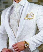 corbata gris corbata al por mayor-Recién llegado Padrinos de boda Mantones de solapa blanca Novios de esmoquin Un botón para hombres Trajes de boda / Bailarinas de baile Best Man (Chaqueta + Pantalones + Corbata) M83
