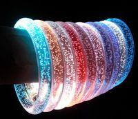 glühender kristall führte großhandel-2017 acryl Glitter Glow Flash Light Sticks LED Kristall Farbverlauf Hand Ring Armband Armreif Kreativität Dance Party Supplies Spielzeug A698