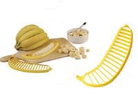 hachoir à légumes achat en gros de-Creative Banana Slicer Salad Maker Helpers Cuisine Outils Fruits Légumes Chopper Cutter Couteaux À La Banane Gadgets Ustensiles De Cuisine Vente Chaude 1ck Z