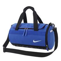 sacs en nylon sangles d'épaule achat en gros de-Sac de voyage avec sac à bandoulière et bandoulière Sac de rangement pour sac de voyage suspendu à vêtements multiples