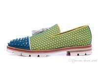erkek beyefendi beyaz ayakkabıları toptan satış-Boyutu 39-46 erkek Sarı Süet Beyaz Hakiki Deri Püskül Ile Mavi Spikes Ayak Lastik Slip Loafers Üzerinde Kayma, Gentleman Marka Elbise Ayakkabı