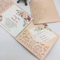 corte láser único al por mayor-Nuevo estilo único corte láser invitaciones de boda tarjetas de alta calidad personalizado flor hueco nupcial invitación tarjeta barato