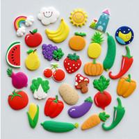 frutas ímãs venda por atacado-Frutas Vegetais Frigorífico Ímã 3D Dos Desenhos Animados Ímãs de Geladeira Adesivo Escritório Placa de Ombro Etiqueta Artesanato Home Decor HH7-1366