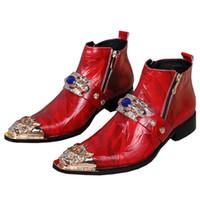 altın zincir çizmeler toptan satış-2018 Metal Sivri Burun Erkek Düğün Elbise Ayakkabı Adam Metal Zincirler Kristal Hakiki Deri Ayak Bileği Çizmeler Erkekler Altın Ayak Bileği Çizmeler Erkekler