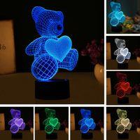 feux de forme de dessin animé achat en gros de-Nouveau Cartoon Amour Coeur Ours Forme Lampe de Table USB LED 7 Couleurs Changement de Batterie Lampe de Bureau Lampe 3D Nouveauté Nuit Lumière Enfant Noël Cadeau Jouets