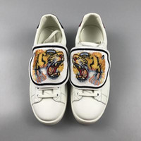 Wholesale pineapple love - Designer Low Top White Leather Men Women Casual Shoes Fashion Tiger Cat Pineapple Blind for Love Removable Sneakers