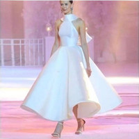Wholesale black circle picture - Runway Fashion Formal Evening Dresses Halter Neck Full Circle Skirt Ankle Length White Satin Evening Gowns 2018 Party Dresses with Big Bow