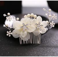 saç bandı tarakları toptan satış-Gelin Düğün Saç Combs Gelin İnciler Kristal Gelin Saç Bantları Parti Gelin için Headpieces Ipek Çiçekler Headdress Saç Takı Aksesuarları