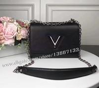 ingrosso borse nere di crossbody-Borsa a tracolla con patta a V in vera pelle da donna di vendita calda Pochette nera Borsa a tracolla con tracolla Twist Lady 50282