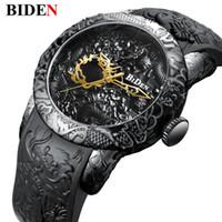 4ee065c60c75 Nueva Moda Escultura 3D Dragón Relojes de Cuarzo para Hombre Marca BIDEN  Reloj de Oro Hombre Exquisito Alivio Reloj Creativo Relogio