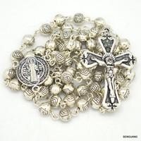 rosarios religiosos al por mayor-Venta caliente rosario de los hombres religioso crucifijo colgante collar encantos de la aleación cristiana cadena del grano st benedicto para hombre joyería de moda