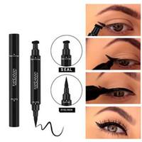 double eye-liner achat en gros de-Double extrémité noir Eyeliner Liquid Crayon Pro Waterproof Longue Durée Maquillage Eye-Liner Pen + Cat Line Eye Makeup Stencils