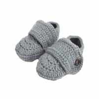 calcetines de los zapatos del bebé del ganchillo al por mayor-Zapatos de bebé Cuna sólida Crochet Casual Bebé hecho a mano Calcetín de punto Zapatos para bebés Gris Chaussure Enfant