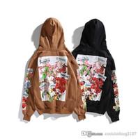 a2e9ffbb4 Cair de Inverno Mulheres Camelo Branco Hoodies Flores Bonitas de Lã Com  Capuz para Mulheres de Alta Qualidade Casual Com Capuz Camisolas