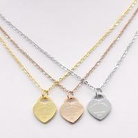 ouro em forma de coração pingente colar venda por atacado-Aço inoxidável em forma de coração colar T colar curto feminino jóias 18k titânio pêssego colar de pingente de coração de ouro para o homem