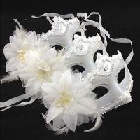 модные белые перья оптовых-Sexy Fancy Masquerade Costume Carnival Party Ball Mask Halloween Mask White Feathers Christmas Half Face S796