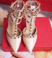 schwarze nietplattform schuhe großhandel-Frauen High Heels Designer Kleid Schuhe Partei Nieten Mädchen sexy spitz Schuhe Schnalle Plattform Pumpen Hochzeit Schuhe schwarz weiß rosa Farbe