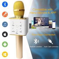 micrófono para celular al por mayor-Altavoz Bluetooth Q7 Micrófono de mano inalámbrico KTV Karaoke Reproductor de altavoces con MIC Altavoces inalámbricos portátiles para teléfonos celulares iPhone