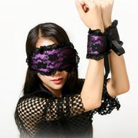 parejas con los ojos vendados juego sexual al por mayor-Pareja Porno Juego Adulto Fetiche Disfraces Lencería Sexy Para Sexo Juguete Máscara de Encaje Esposas Juego de Látigo de Grano con los ojos vendados Flirt Prop Y1892810