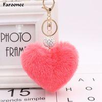 меховое кроличье сердце оптовых-Fluffy Fur Pom pom Keychain Soft Lovely Heart Shape Pompon Faux Rabbit Fur Poms Ball Car Handbag Key Ring Gift Keyfob 6C2512