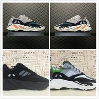 Wholesale fabric chalk - Hot Kanye West Boost Retro Wave Runner 700 Grey Causal Shoes Boost Mens Women Solid Grey Chalk White Core Black Sneakers