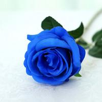 rosas de seda flores púrpura al por mayor-Rosas de seda Flores artificiales Decoración de boda Flores falsas Blanco Azul Verde Rosa Rojo Púrpura Flores de seda artificial Rosas