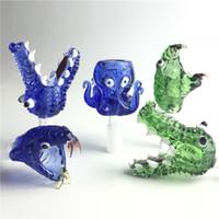 conduites d'eau bleu achat en gros de-Bol animal épais en verre Pyrex avec 14mm 18mm mâle vert bleu serpent Octopus Crocodile Herb Bols à tabac pour pipes à eau en verre Bongs