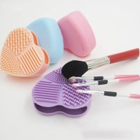 Wholesale Made Gloves - High quality Heart Silicone Brush Cleaner Egg Makeup Brushes Cleaner Cleaning Glove Brushegg Cosmetic Professional Make Up Brushes Tools