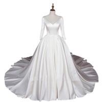 vestido de novia de manga cuarta más al por mayor-Una línea de vestido de novia de tres cuartos de manga con cuello en v vestido de bola de la boda de satén más tamaño vestidos de novia por encargo