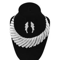 sistemas de la joyería de cristal de la boda al por mayor-Joyería de lujo para mujer Cuello de cristal Joyería nupcial Accesorios de boda Rhinestone Gargantilla Pendientes del collar Conjunto nupcial Chunky Conjuntos de joyería