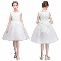 Wholesale Dress Embellishments - 2018 Cute Sleeveless Flowers Girls Dresses Bow Appliques Embellishment for First Communion Lace Ball Gown Kids Formal Wears mc0681
