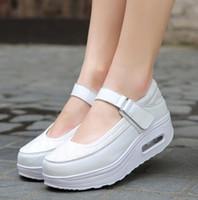 встряхнуть обувь кроссовки оптовых-Новый большой размер женщин кроссовки платформа Спорт кроссовки противоскользящая дышащая открытый обувь для женщин Белый неглубокие Shake Shoes