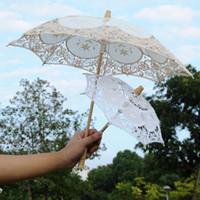 paraguas de madera blanco mango al por mayor-Parasoles blancos de la boda del cordón los 29CM los 45cm del diámetro que bailan la sombrilla barata de la marca de fábrica de los paraguas de la manija de la longitud de los 26CM los 43CM