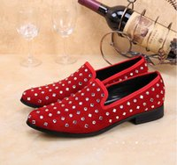 mocasines morados al por mayor-Envío gratis moda casual zapatos formales para hombre rojo y púrpura de cuero de cristal hombres boda zapatos oro metálico para hombre tachonada mocasines x70