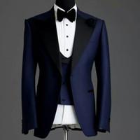 marineblaue silberne kleider großhandel-Fertigen Sie Entwurfs-Marine-Blau-Mann-Hochzeits-Smoking-Höchstrevers ein Knopf-Bräutigam-Smoking-Mann-Hochzeits- / Abendessen- / Dartykleid (Jacke + Pants + Tie + Vest) 1903 besonders an