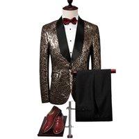 ingrosso smoking oro nero per gli uomini-Tuta da uomo 2018 Slim Fit Black Gold Tuxedo Jacket Luxury Brand Mens Stage Wear 4XL Fashion Designer Prom Abiti