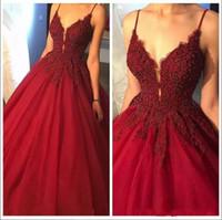 koyu kırmızı tüllük elbisesi toptan satış-2019 Koyu Kırmızı Seksi Sapanlar Spagetti Uzun Gelinlik Modelleri Kolsuz Kristaller Boncuk Puf Tül Abiye giyim Örgün Uzun Parti Elbise BA7663