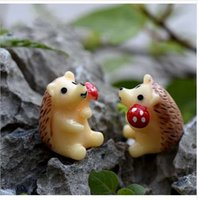 Wholesale 2pc Hedgehog Figurine Miniature Statue Decoration For mini fairy garden Micro Landscape Cartoon animal resin craft TNA028