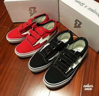 Wholesale magic straps resale online - REVENGE x STORM new classic black and red magic buckle vulcanized board shoes come with box and bags