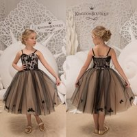 Wholesale flowers girl wedding dress spaghetti straps resale online - Cutest Black Appliques Short Flower Girl Dresses Kids Princess A Line Spaghetti Straps Knee Length Party Birthday Gowns Lace up Back